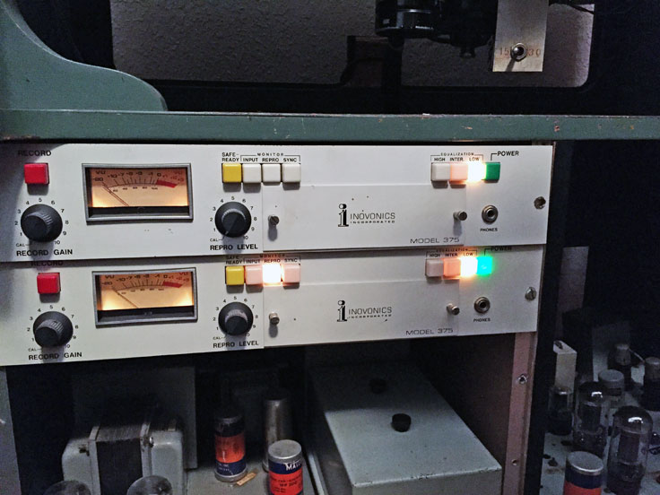 Inside photos of MOMSR / R2RTx's Ampex 200A pro reel to reel tape recorder