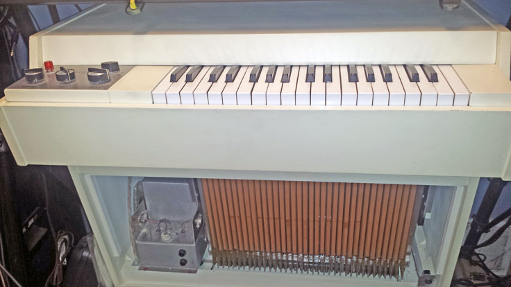 Mellotron 400SM magnetic recording tape photos and information provided by Doug Berg