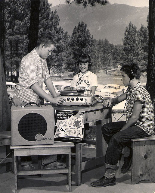 1955 photo of kids using the Califone product