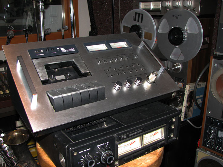 Nakamichi 600 and 550 cassette recorders in the Reel2ReelTexas.com vintage recording collection