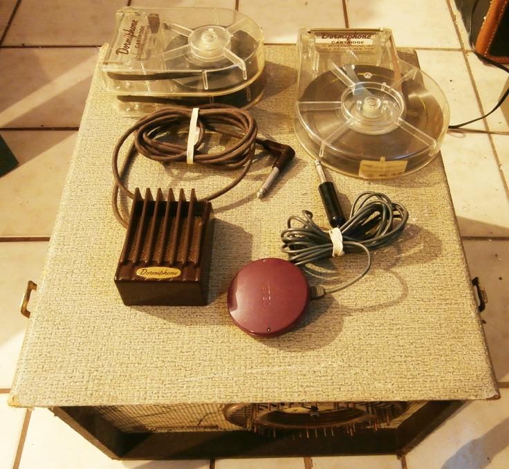 Pentron Dormiphone tape deck showing the cartridges