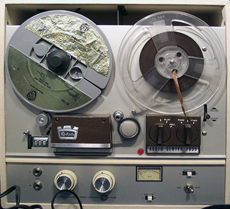 Roberts 1055 reel to reel tape recorder