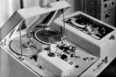 Photo provided to the Museum of Magnetic Sound Recording by Roger Wilmut, BBC engineer from 1960