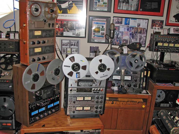 Phantom Productions vintage recording museum show reel to reel tape recorders that include the Ampex 601-2, Akai GX-400D-ss, the Pioneer RT-2044, the Revox B77, the Crown 722 SX, the Dokorder 1140 and the Teac TCA-43 and Teac 35-2.