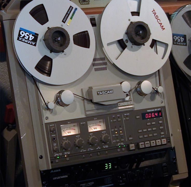 Teac Tascam BR-20T two teack mastering with Time Come sync professional reel to reel tape recorder in the Reel2ReelTexas.com vintage reel tape recorder recording collection