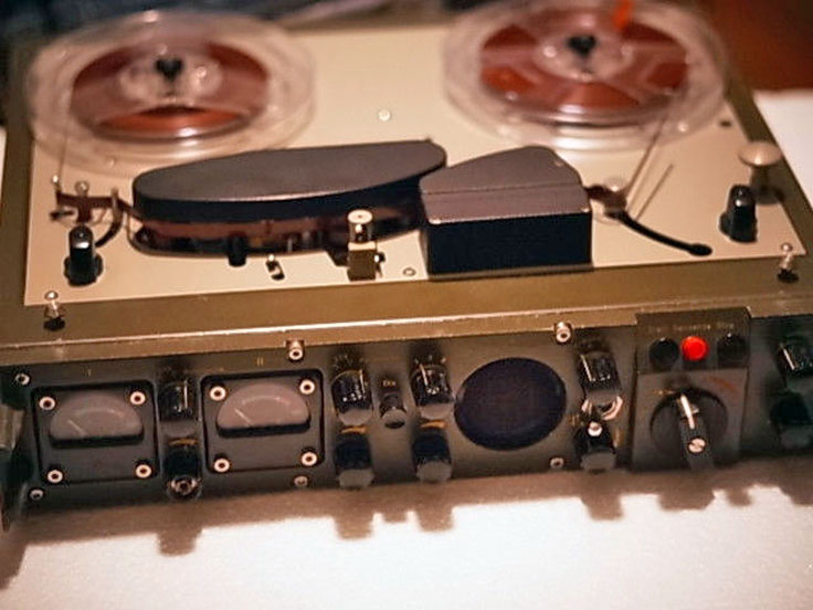 Telefunken military reel to reel tape recorder photo in the Reel2ReelTexas.com vintage recording collection