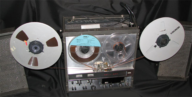 Bell Sound Systems RT-360 tape recorder duplicating threading shown in the Reel2ReelTexas.com vintage reel tape recorder recording collection