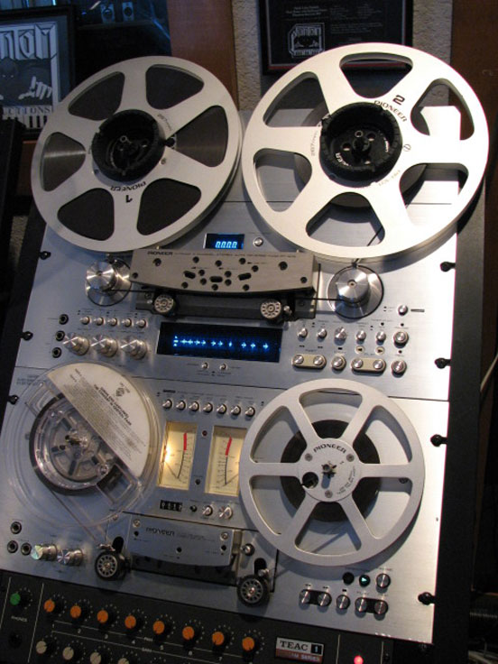 RT-909 and RT-707 reel to reel tape recorders in the Reel2ReelTexas.com vintage recording collection