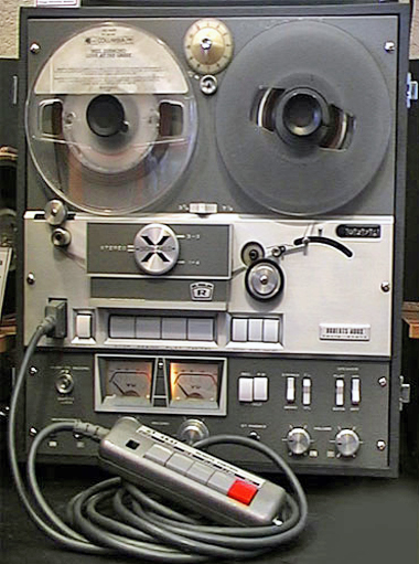 Roberts 400X reel to reel tape recorder in the Reel2ReelTexas.com - Museum of Magnetic Sound Recording vintage recording collection