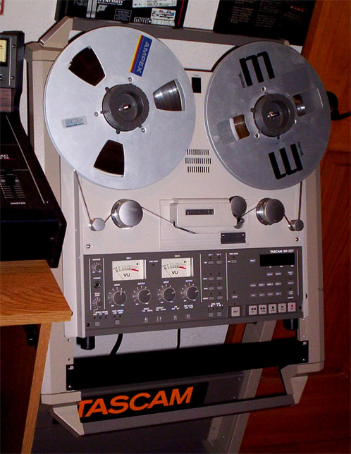 Teac Tascam BR-20T two teack mastering with Time Come sync professional reel to reel tape recorder in the Reel2ReelTexas.com vintage recording collection